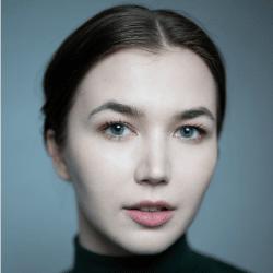 Headshot of Clair Gleave
